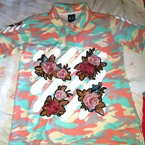 Graphic shirt size small